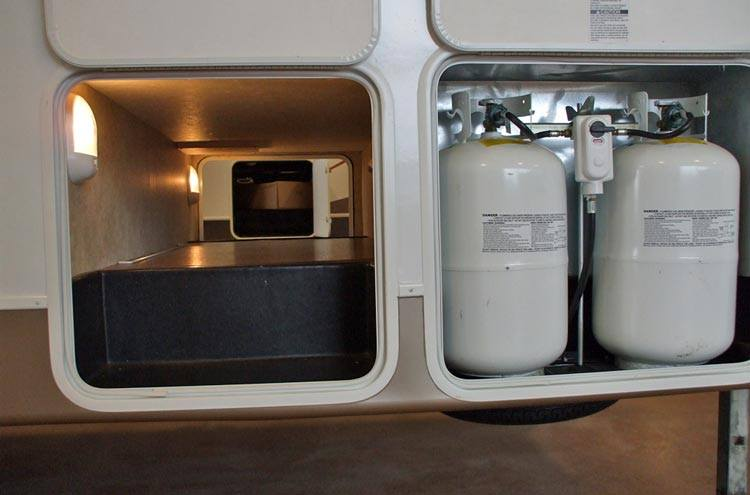 how-much-propane-does-an-rv-refrigerator-use-men