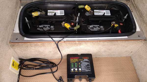 charging rv battery while driving
