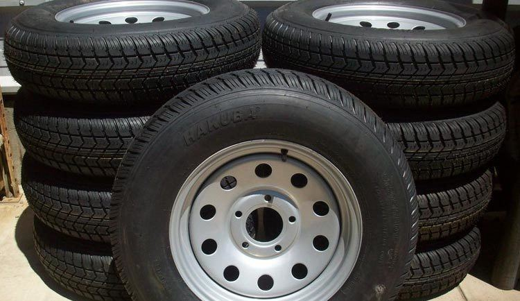 Trailer-Tires-vs-Light-Truck-Tires