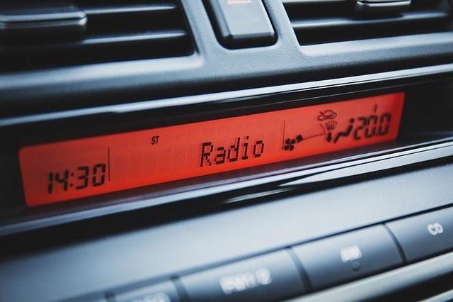 car-dashboard-radio-clock-